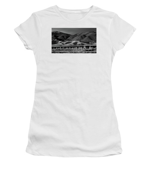 Women's T-Shirt (Junior Cut) featuring the photograph Radiant by Brian Duram