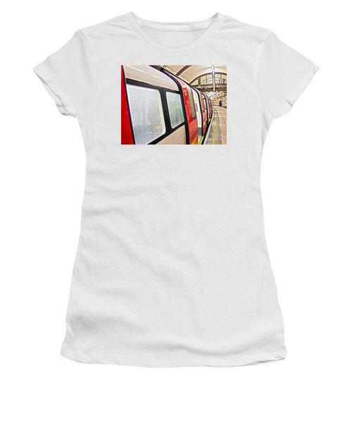 Rainy London Day Women's T-Shirt (Athletic Fit)
