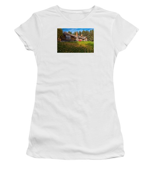 Riding Mountain National Park Women's T-Shirt (Athletic Fit)
