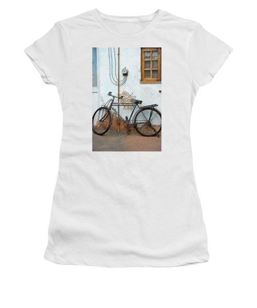Rough Bike Women's T-Shirt (Athletic Fit)
