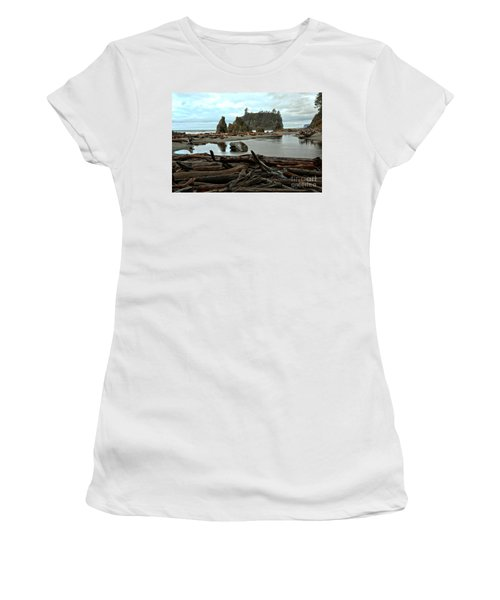 Ruby Beach Driftwood Women's T-Shirt