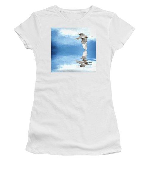 Skimming Women's T-Shirt