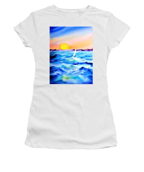 Sol Searching Women's T-Shirt