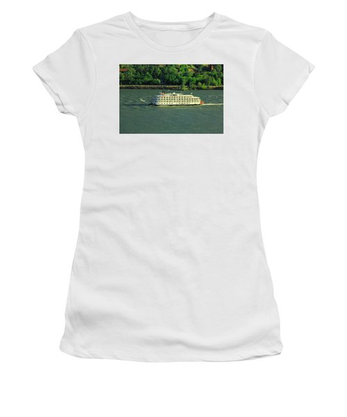 Stern Wheeler On The Columbia River  Women's T-Shirt