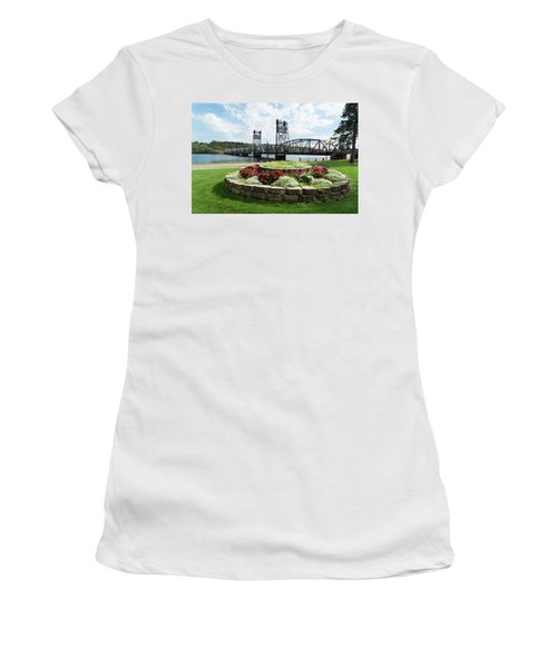 Stillwater And The Mississippi Women's T-Shirt (Athletic Fit)