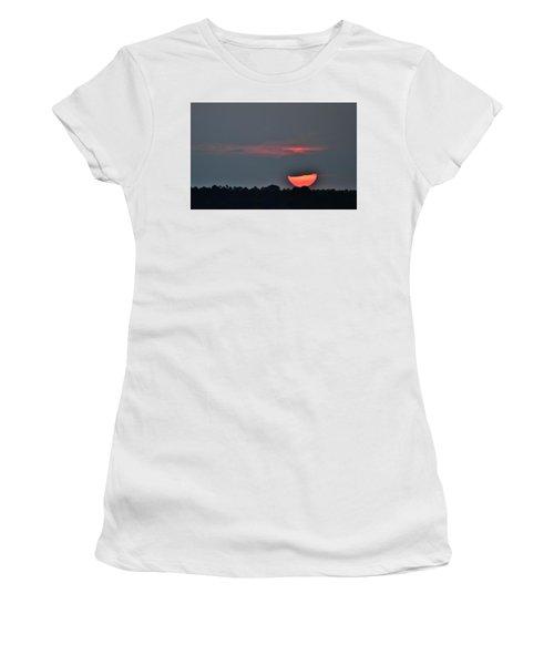 Sun Going Down Women's T-Shirt