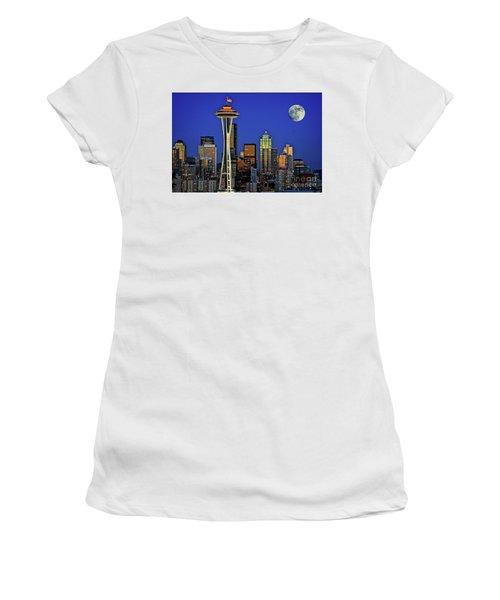 Super Moon Over Seattle Women's T-Shirt