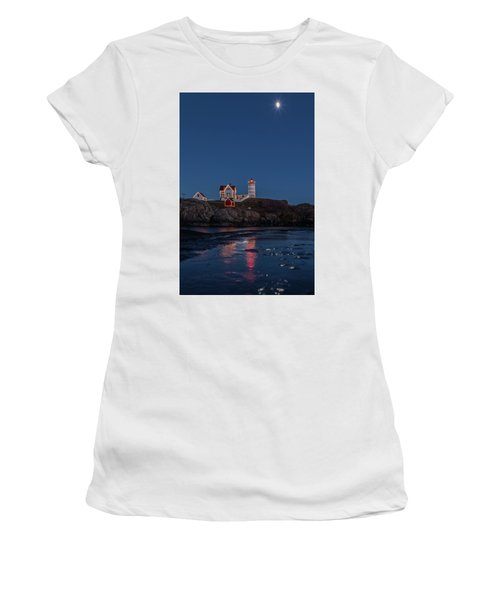 The Nubble Waiting For Snow Women's T-Shirt