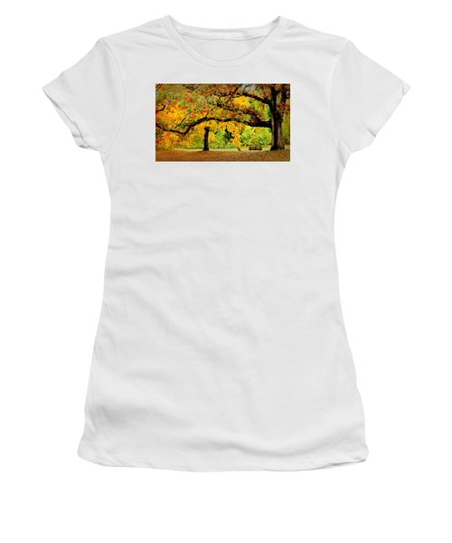The Old Oak Tree Women's T-Shirt