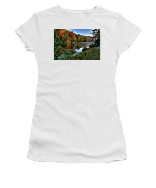 Women's T-Shirt (Athletic Fit) featuring the photograph The Reds Of Early Autumn by David Patterson