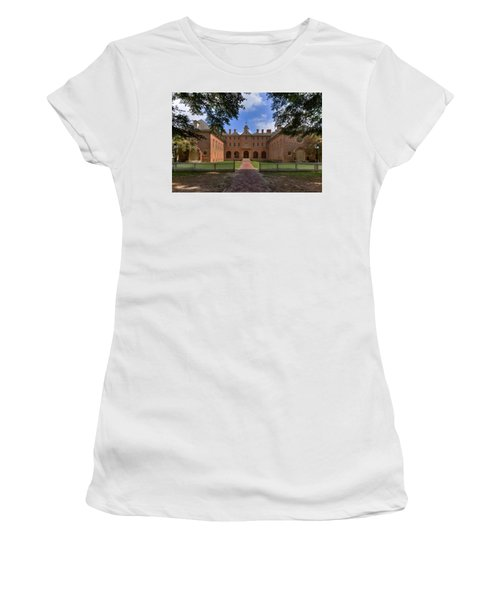 The Wren Building At William And Mary Women's T-Shirt