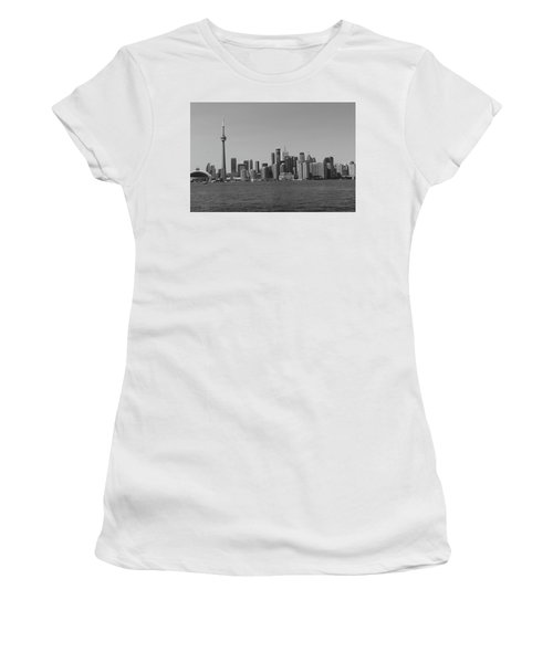 Toronto Cistyscape Bw Women's T-Shirt