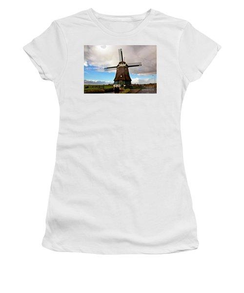 Traditional Dutch Windmill Near Volendam  Women's T-Shirt (Athletic Fit)