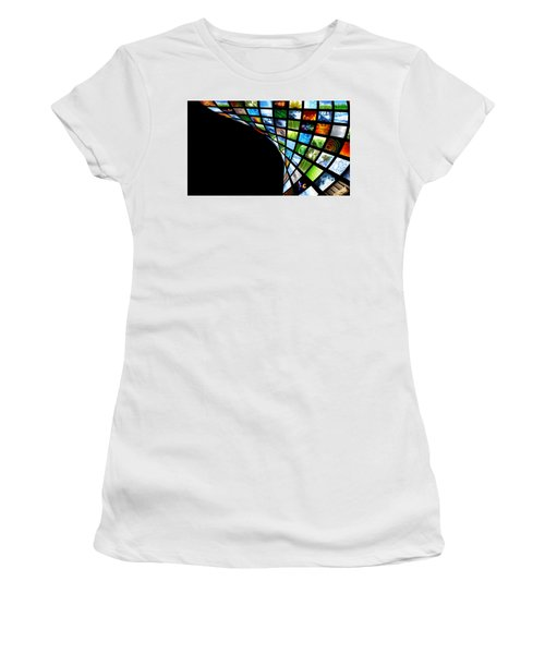 Tv Warp Wall Women's T-Shirt