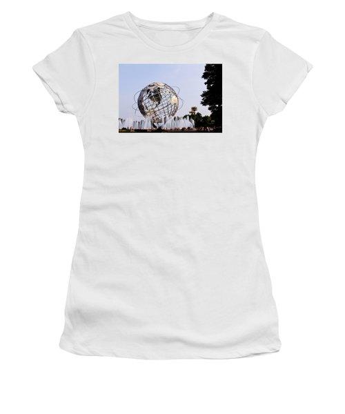 Unisphere Fountain Women's T-Shirt