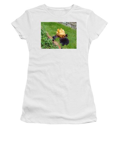 Vigilante Iris Women's T-Shirt (Athletic Fit)