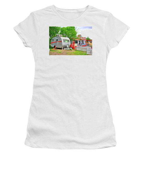 Vintage Trailer And Diner In Bisbee Arizona Women's T-Shirt (Athletic Fit)