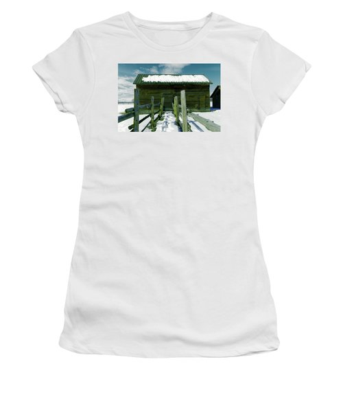 Women's T-Shirt (Junior Cut) featuring the photograph Walkway To An Old Barn by Jeff Swan
