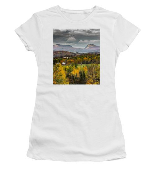 Willoughby Gap Late Fall Women's T-Shirt (Athletic Fit)