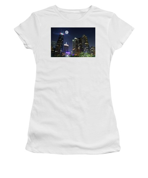 Windy City Women's T-Shirt (Junior Cut) by Frozen in Time Fine Art Photography