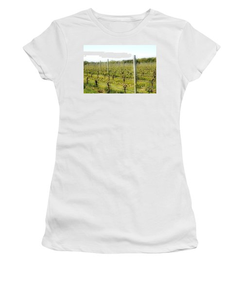 Wineries, Long Island, Ny Women's T-Shirt (Athletic Fit)