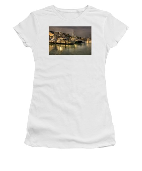 Yachts In Hdr Women's T-Shirt
