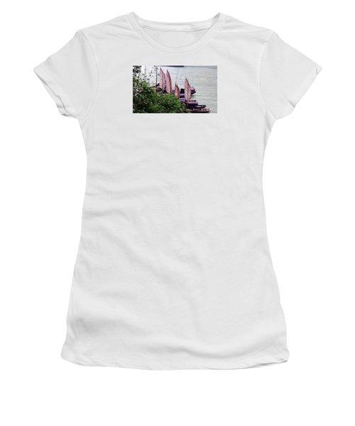Yangtze Boats Women's T-Shirt (Athletic Fit)