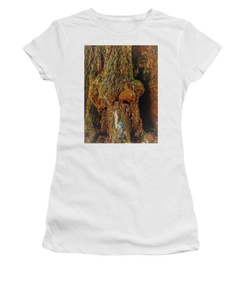 Z Z In A Tree Women's T-Shirt