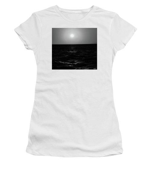 Aruba Sunset In Black And White Women's T-Shirt