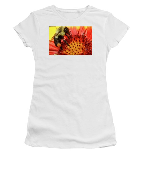 Bee Red Flower Women's T-Shirt