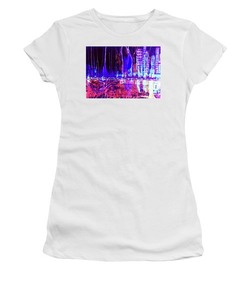 City By The Sea L Women's T-Shirt