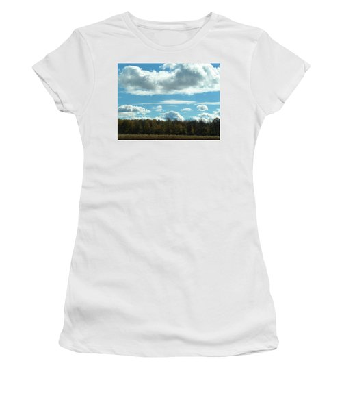 Country Autumn Curves 8 Women's T-Shirt