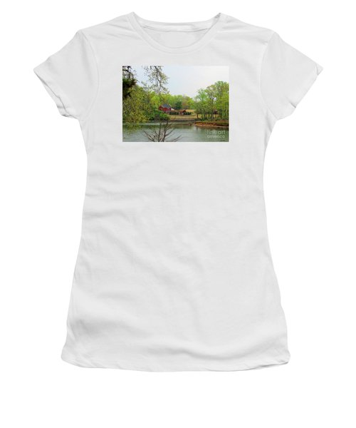 Country Living On The Tennessee River Women's T-Shirt