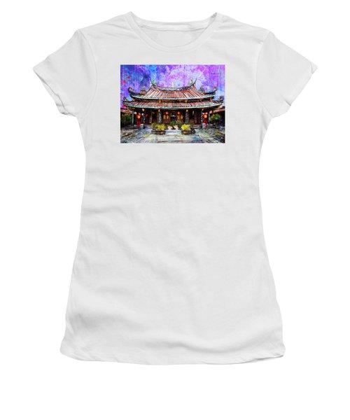 Dalongdong Baoan Temple Women's T-Shirt