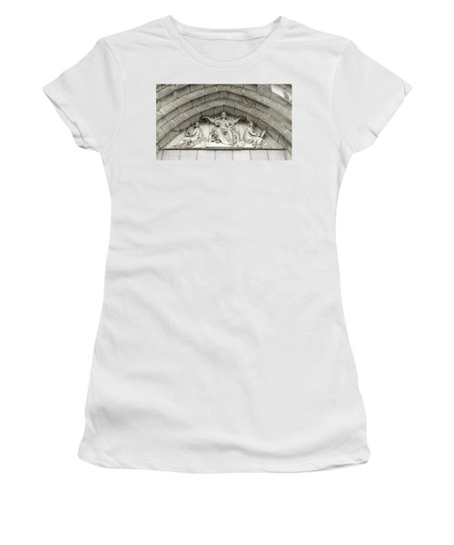 Women's T-Shirt featuring the photograph Decorated Sculpture On Plymouth Guildhall Building by Jacek Wojnarowski