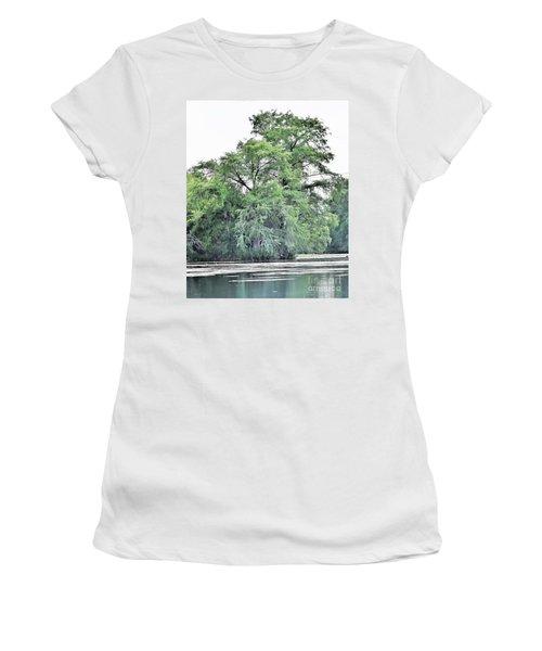 Giant River Tree Women's T-Shirt