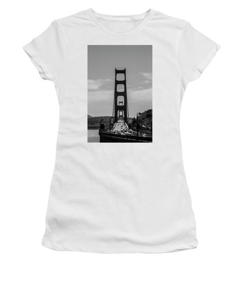 Golden Gate Women's T-Shirt (Athletic Fit)