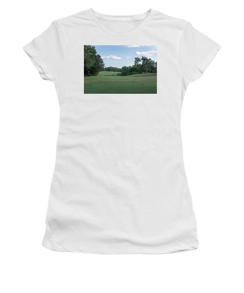 Hole #10 Women's T-Shirt (Athletic Fit)