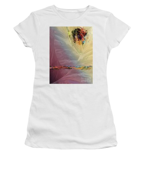 Hovering Women's T-Shirt