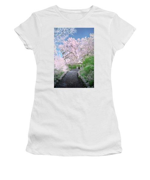 Magnolia Gazebo  Women's T-Shirt