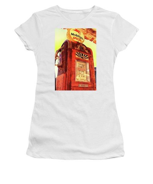 Mobilgas Special - Vintage Wayne Pump Women's T-Shirt