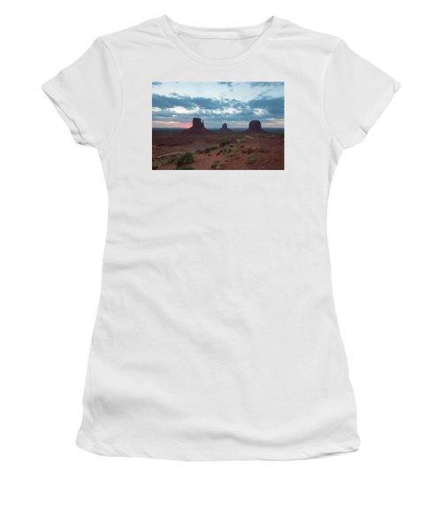 Monument Valley Before Sunrise Women's T-Shirt