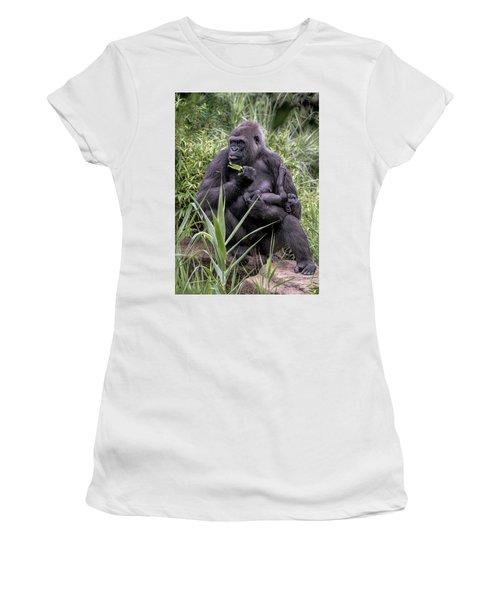 Proud Mama Silverback 6243 Women's T-Shirt