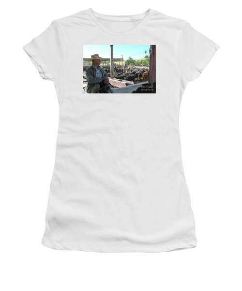 Skip Women's T-Shirt