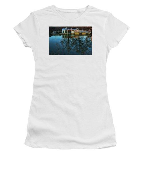 Sunken Women's T-Shirt (Athletic Fit)