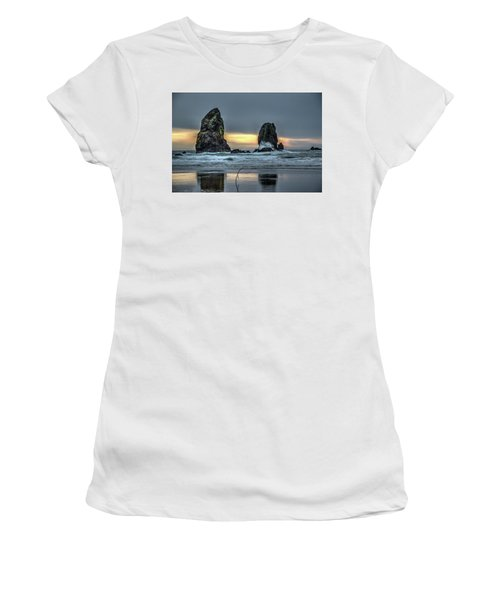 Sunset At The Canon Beach Women's T-Shirt