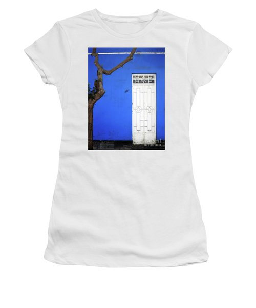 When A Tree Comes Knocking Women's T-Shirt