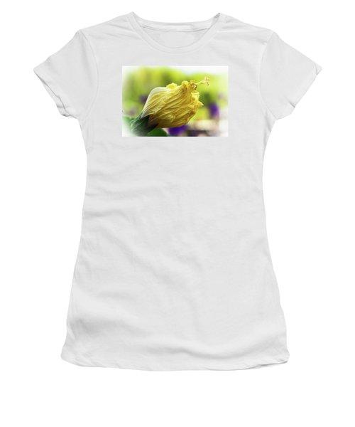 Yellow Mature Hibiscus  Women's T-Shirt