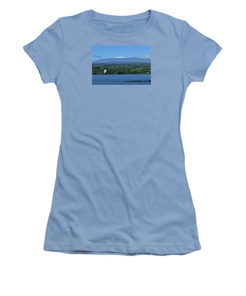 Hawaii's Snow Above Hilo Bay Hawaii Women's T-Shirt (Athletic Fit)