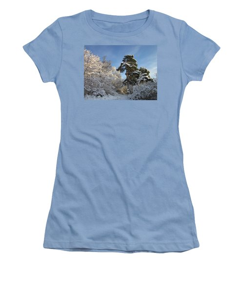 A Perfect Winterday Women's T-Shirt (Athletic Fit)